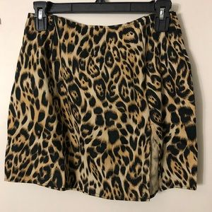 Forever 21 leopard print skirt